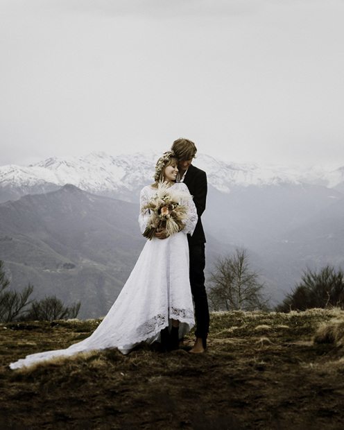 How to choose the perfect destination wedding photographer for your special day